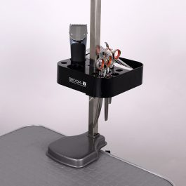 Show Tech – כלי שימושי לכלי עבודה לתליה על שולחן הטיפוח